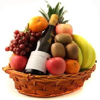 Cesta de Frutas y Vino Blanco